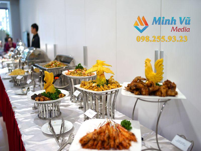 Tiệc buffet mặn sang trọng do Minh Vũ Media chuẩn bị