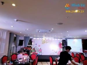 Bố trí đèn và dàn karaoke cho tiệc liên hoan công ty